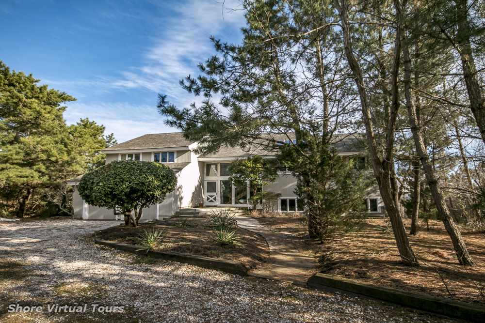 5609 Dune Drive - Picture 1