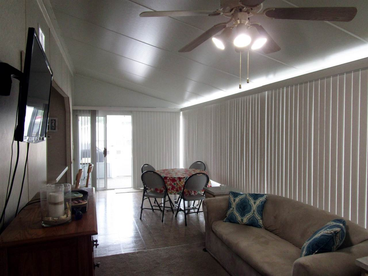 113 Whale Beach Ave @ Holly Lake  - Picture 11