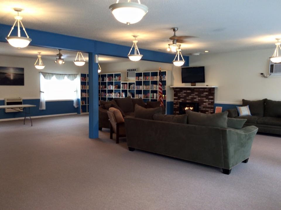 113 Whale Beach Ave @ Holly Lake  - Picture 16