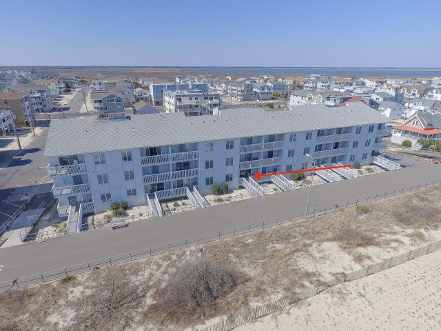 3400 Boardwalk - Picture 1