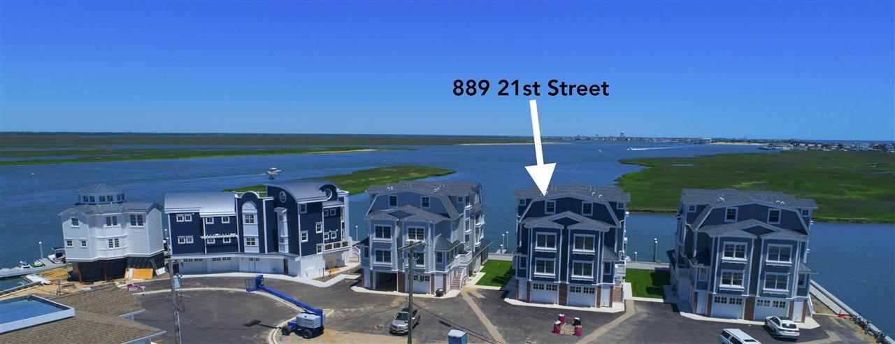 889 21st Street - Avalon