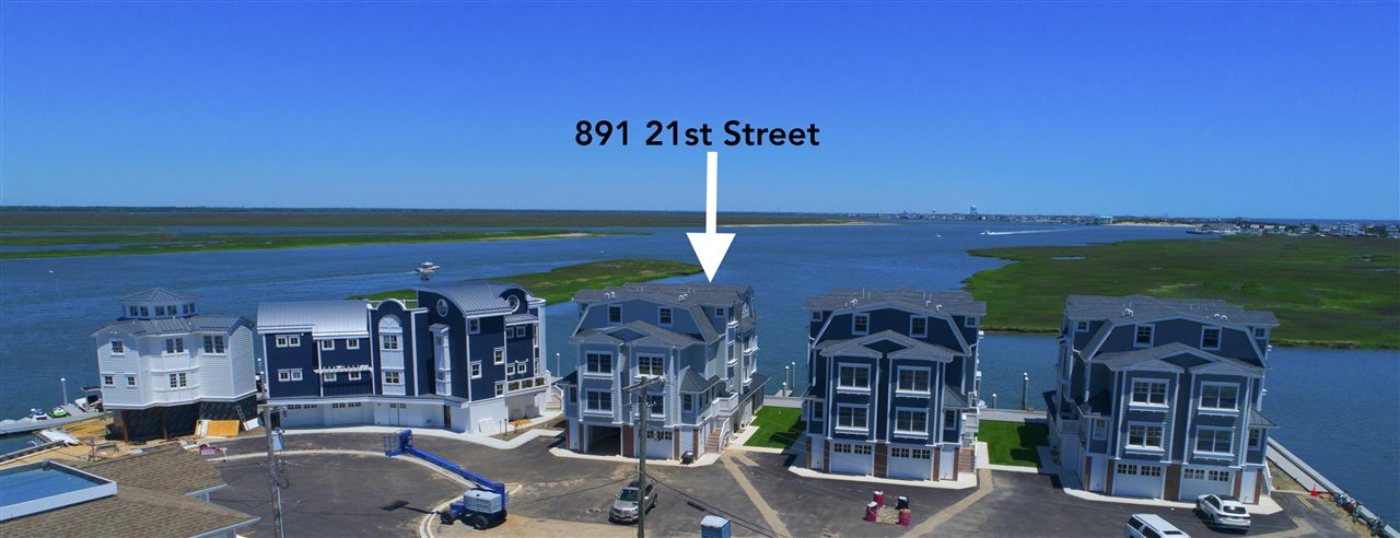 891, Unit #891 21st, Avalon