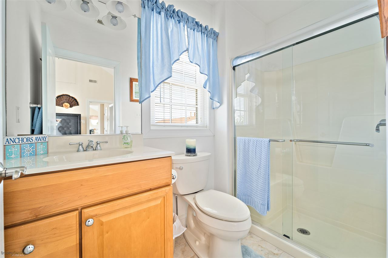 121 W 75th St - Picture 16