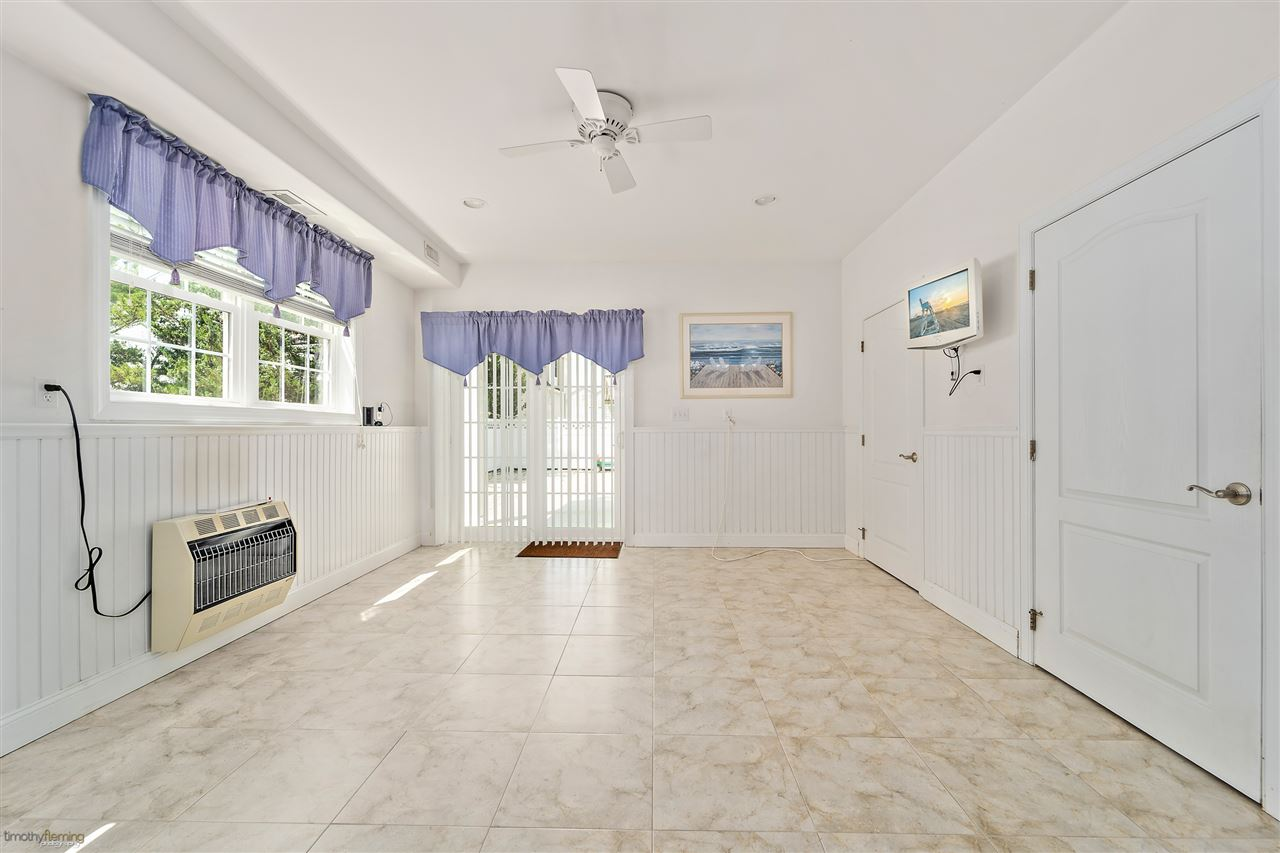 121 W 75th St - Picture 19