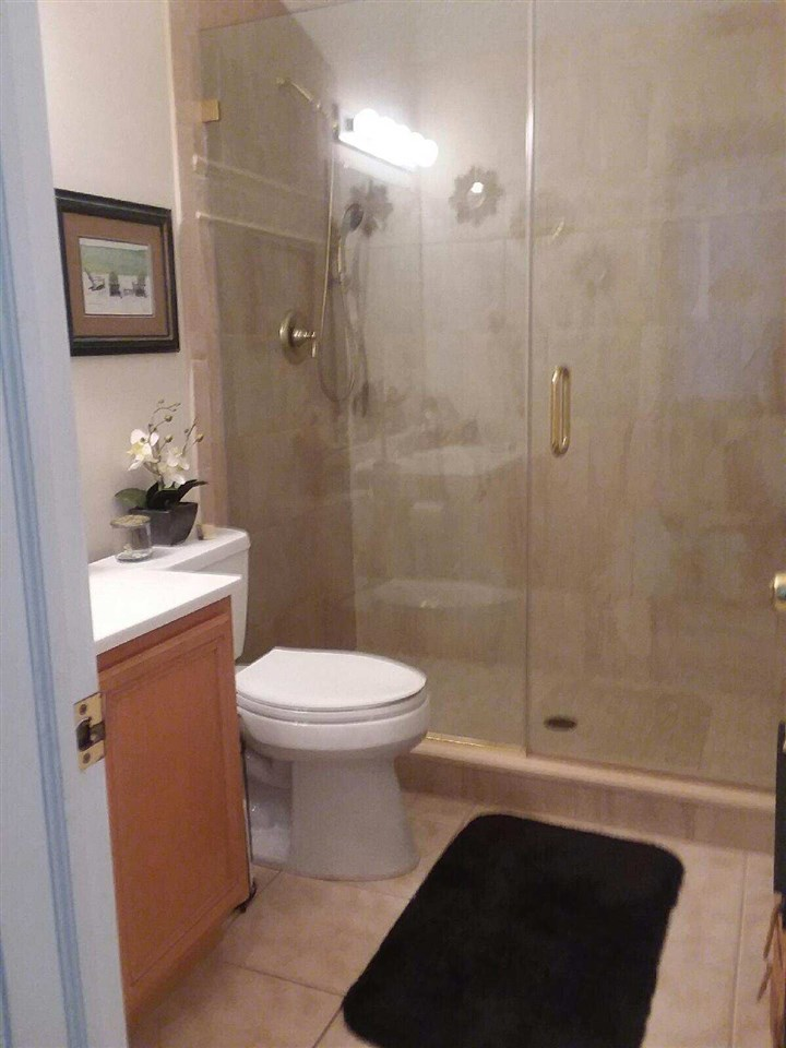 141 E 53rd Street - Picture 20