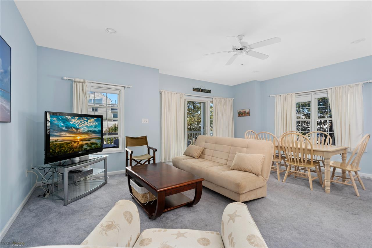 1109 Ocean Drive - Picture 6