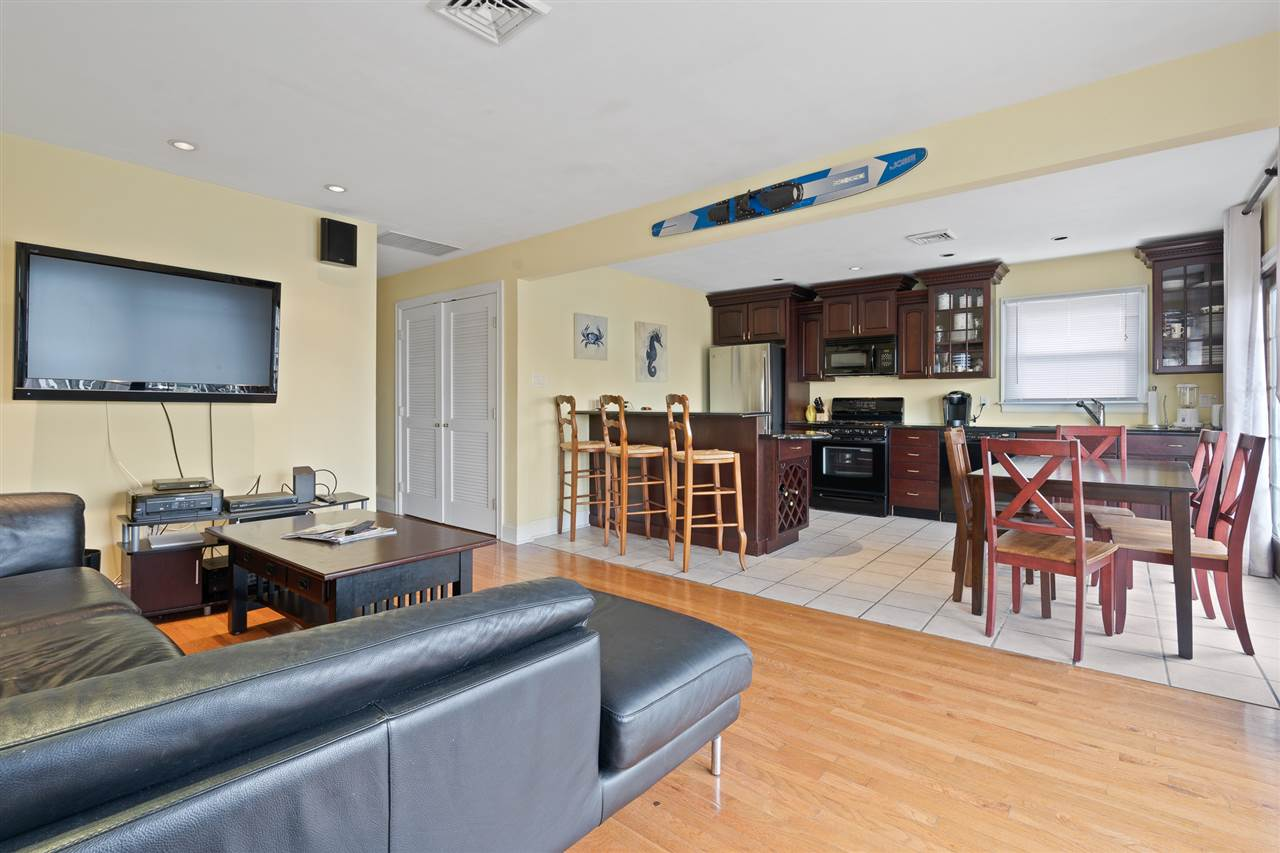 2110 Ocean Drive, Unit Numbers B, Avalon NJ - Picture 9