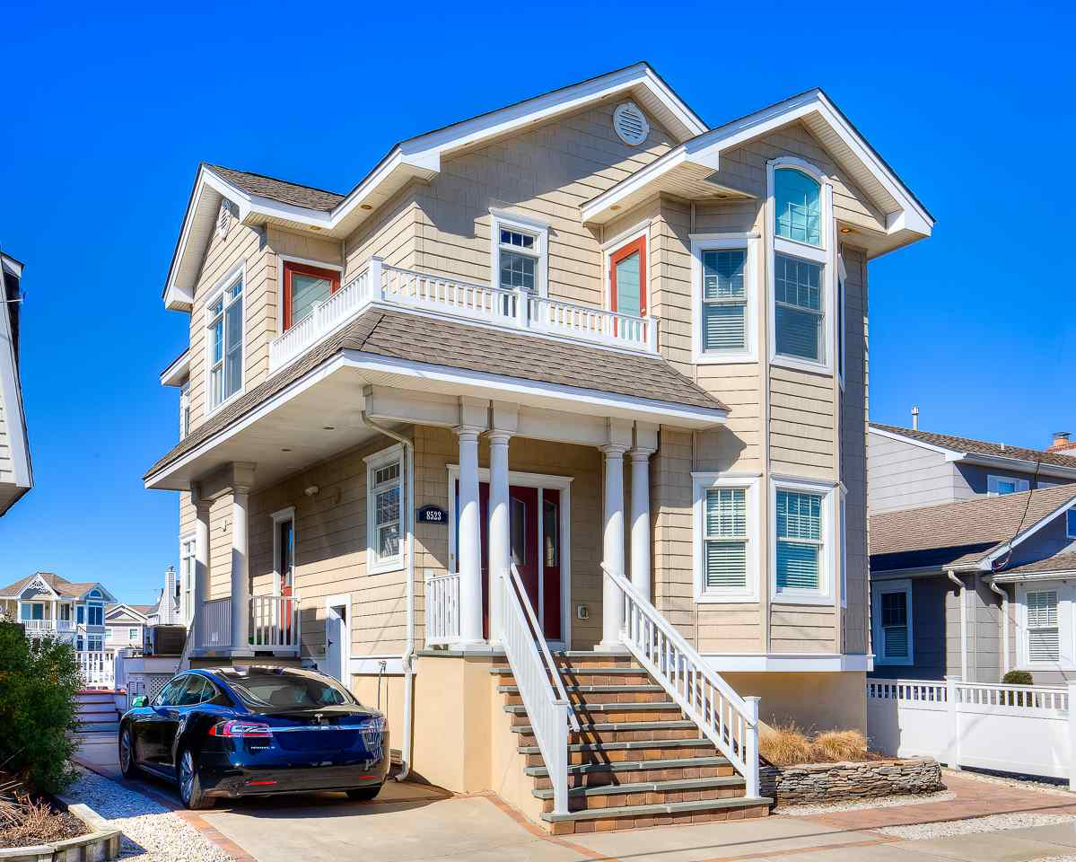 8523 Third Avenue  - Stone Harbor