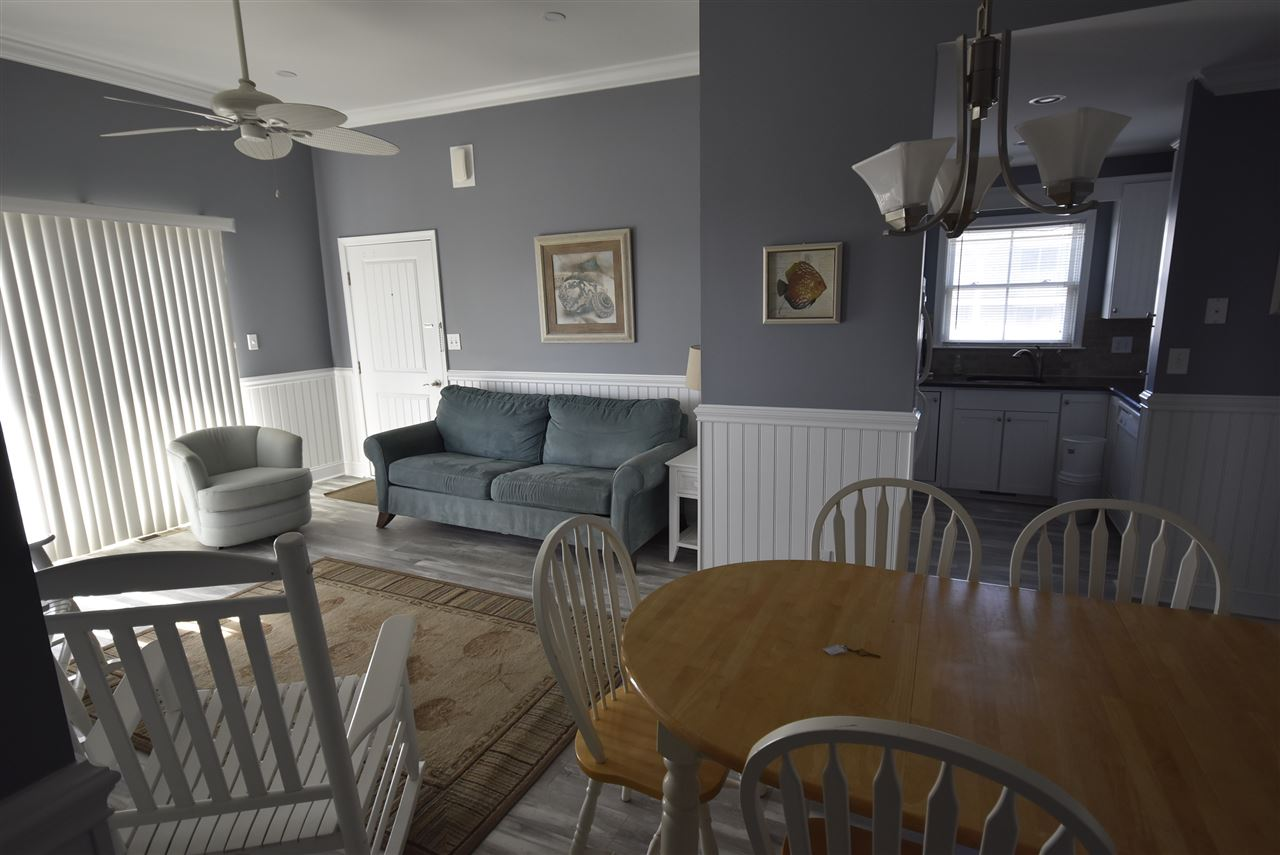 211 Beach Ave - Picture 6