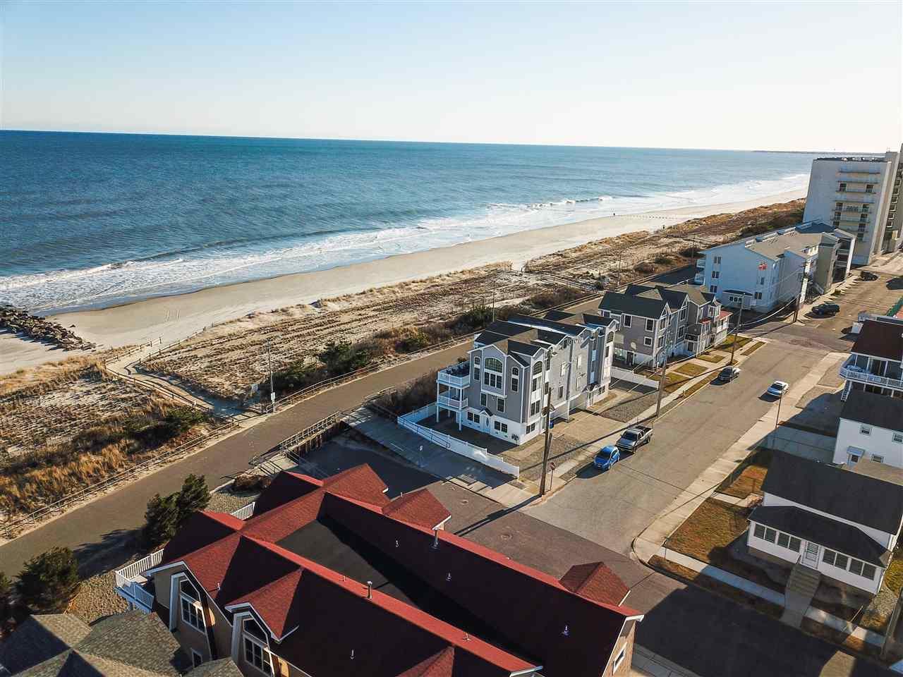 3212 Boardwalk  - Picture 3