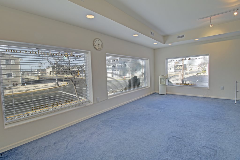 2101 Ocean Drive - Picture 6