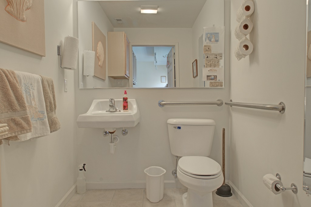 2101 Ocean Drive - Picture 9