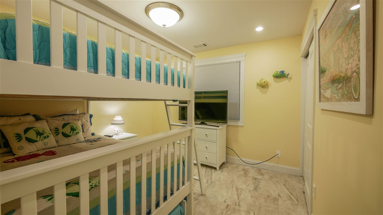 22 35th street  - Picture 19