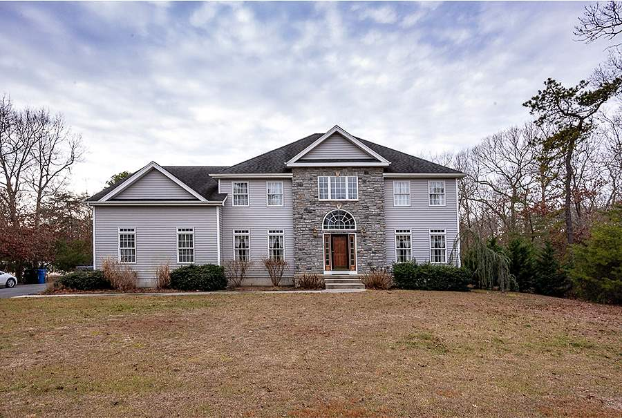 14 Clayton Dr  - Picture 1