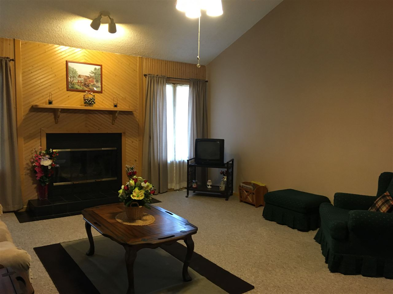 47 Meadow Creek Drive  - Picture 5