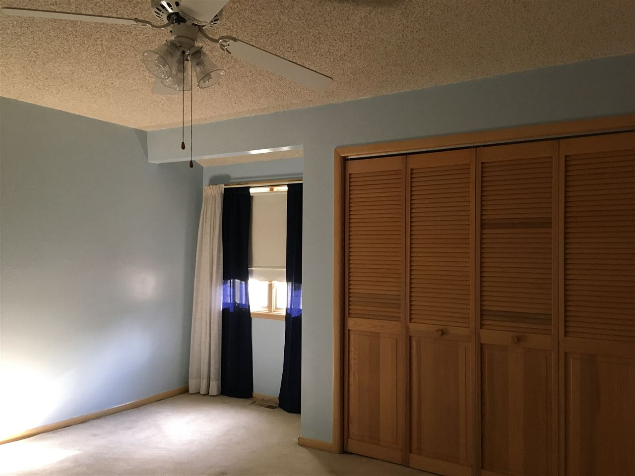 47 Meadow Creek Drive  - Picture 8