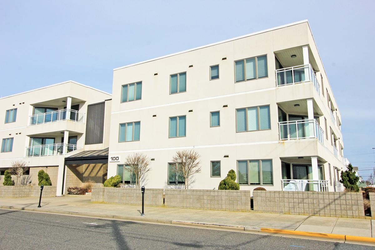 100 96th Street - Picture 1