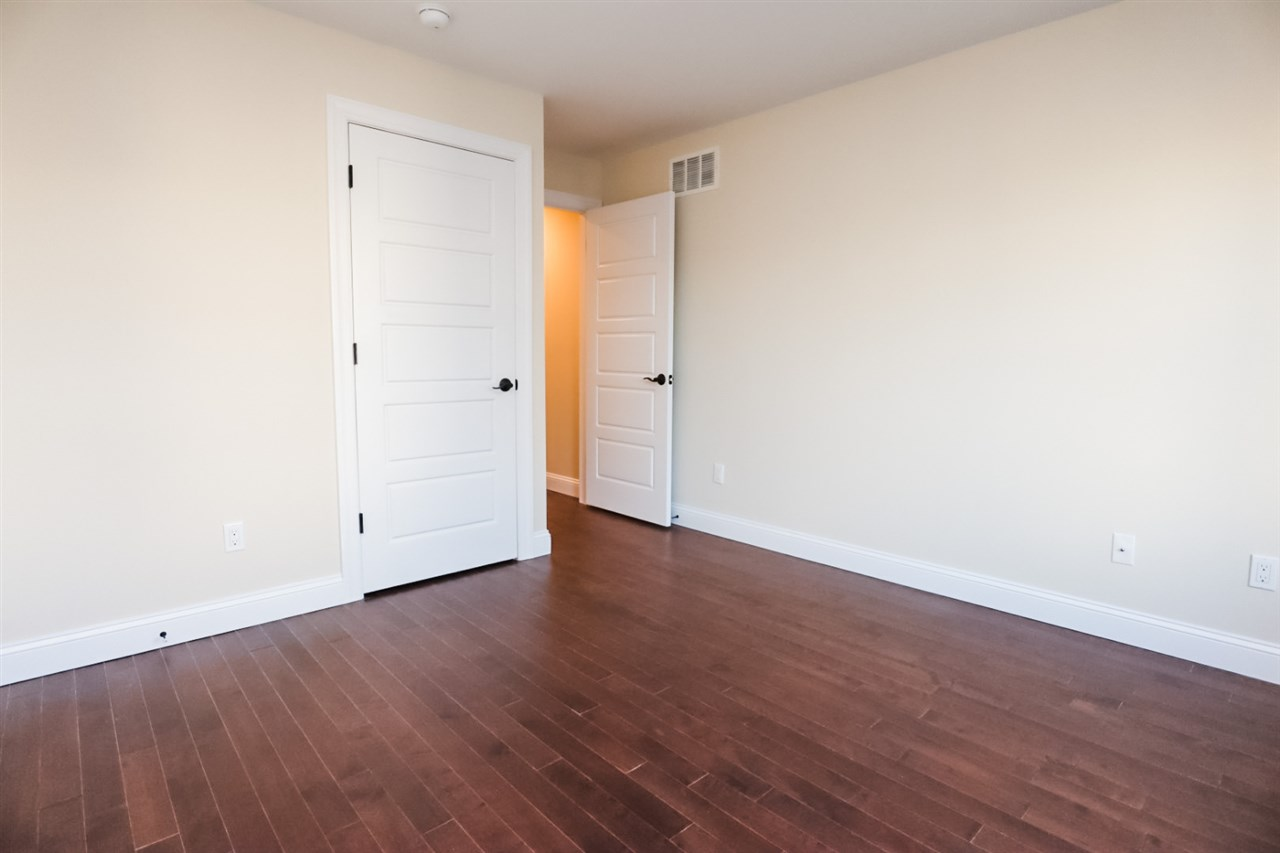 141 30th Street - Picture 15