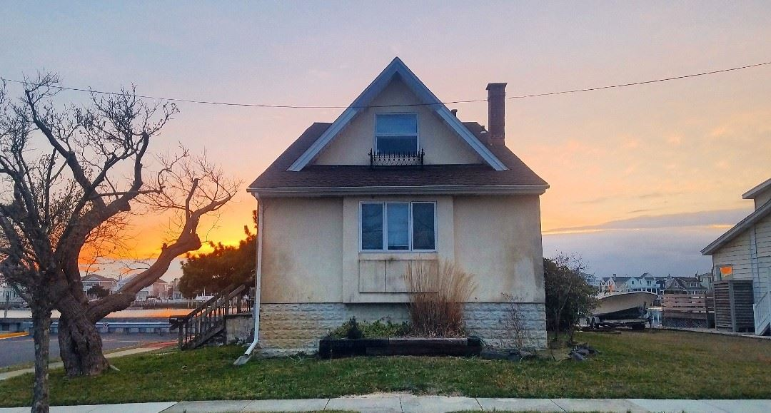 10559 Third Avenue - Stone Harbor