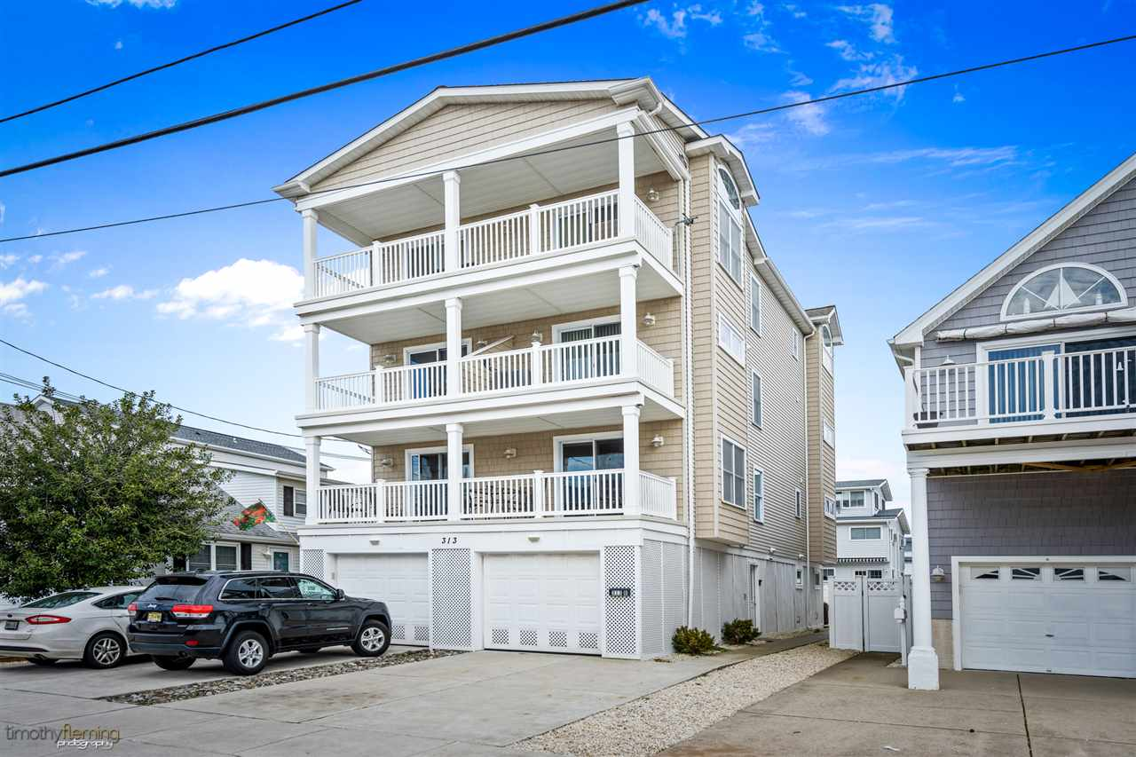 313, Floor 2 (uni 40th, Sea Isle City