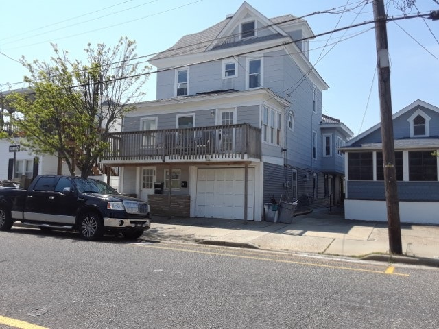 200 Maple Avenue, Wildwood