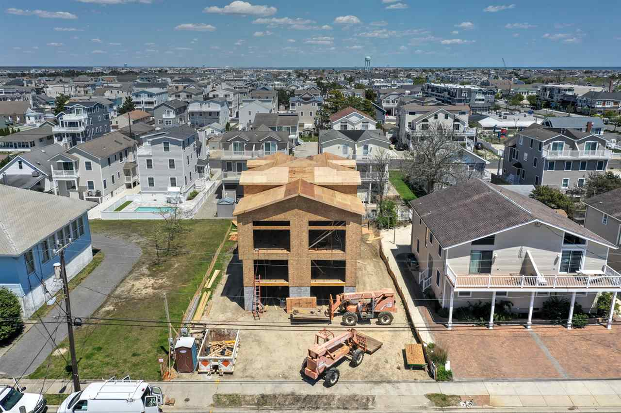 239 26th Street, Avalon, NJ 08202