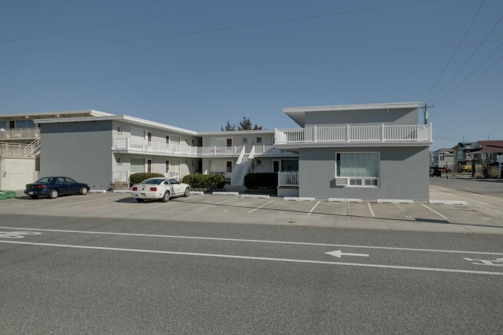 9816 Second Avenue - Stone Harbor