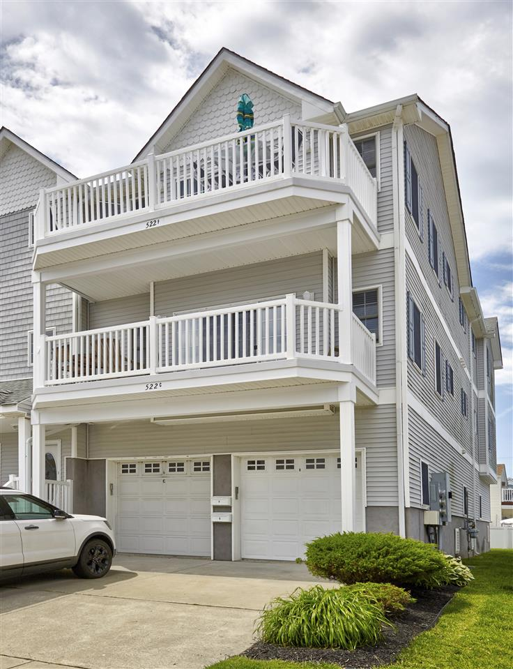 522 Burk Ave unit F, Wildwood