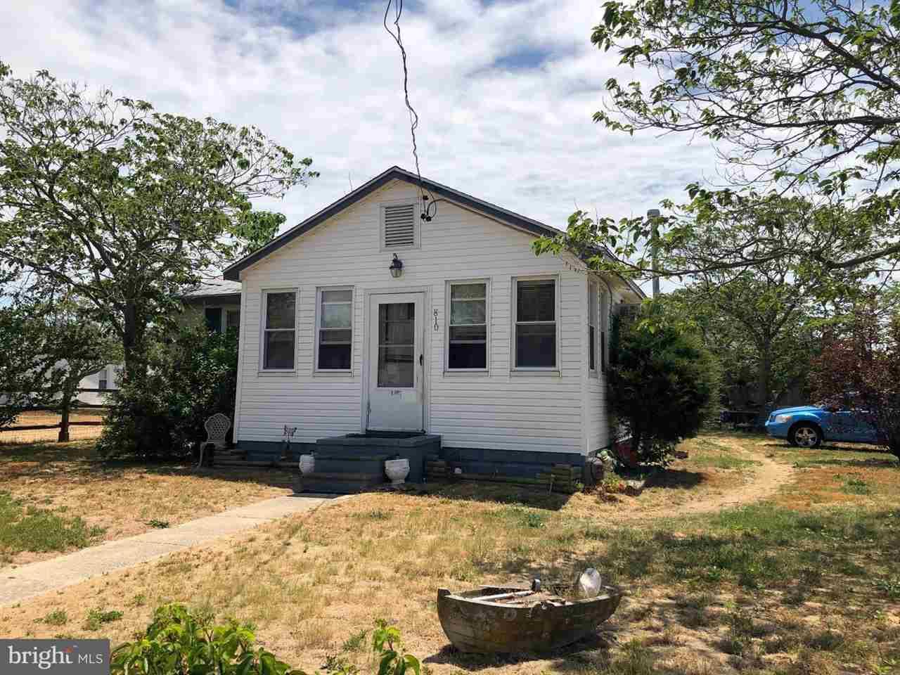810 Delaware - Villas