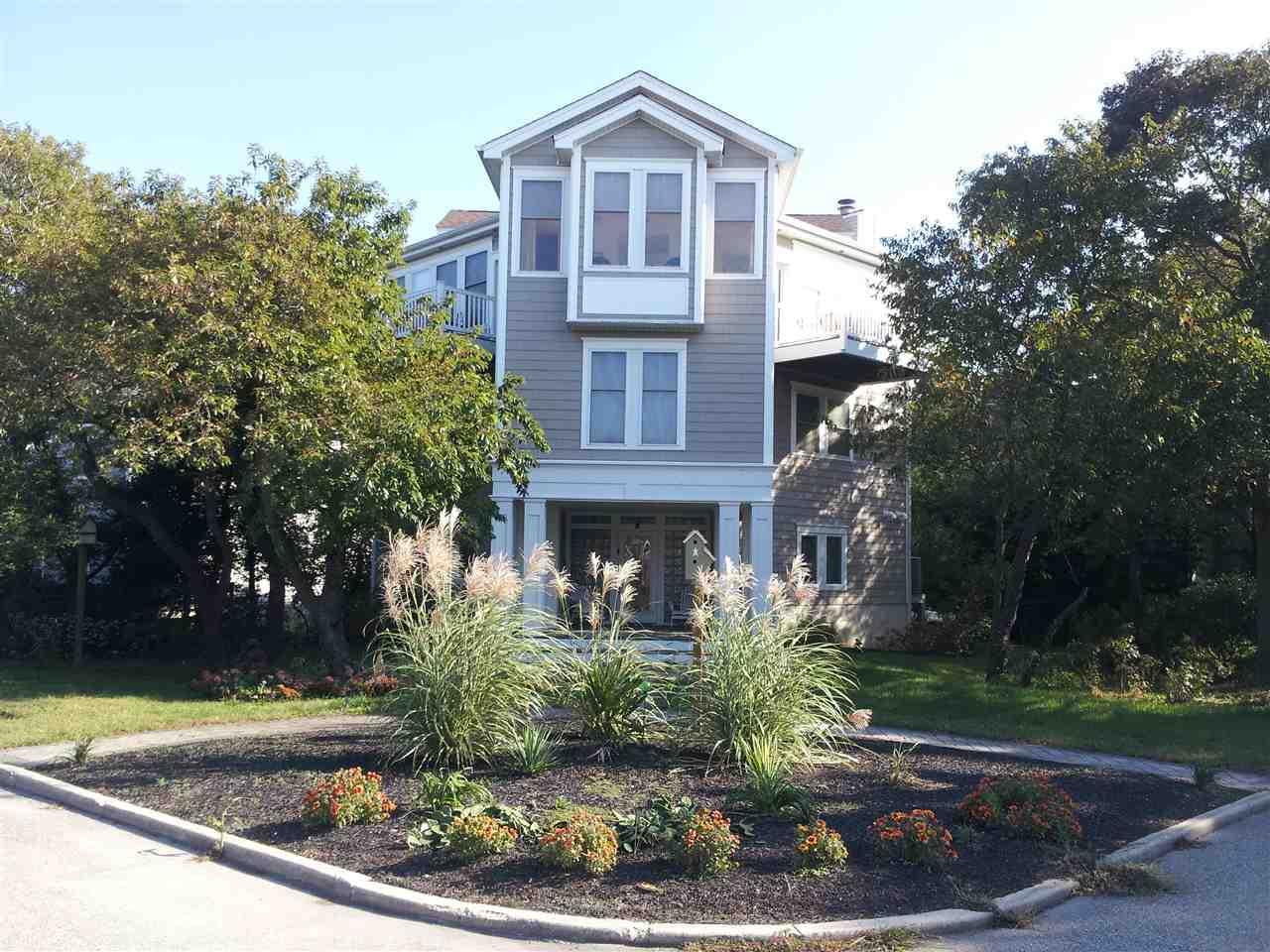 516 Mistletoe Rd, Villas, NJ 08251