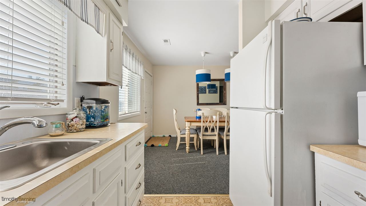 221 87th Street - Picture 11