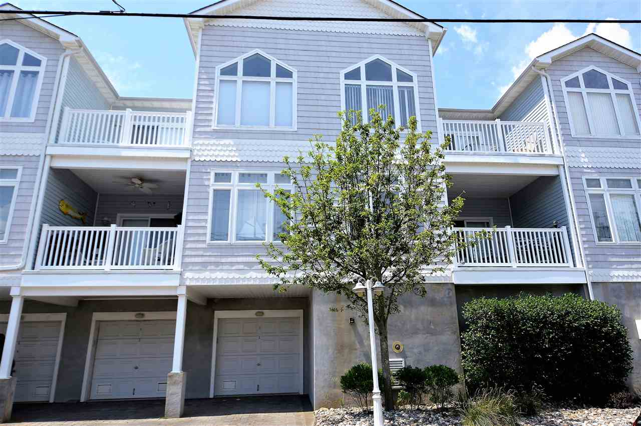220, Unit 6 Roberts, Wildwood