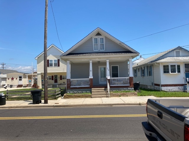 309 W Glenwood Avenue - Wildwood
