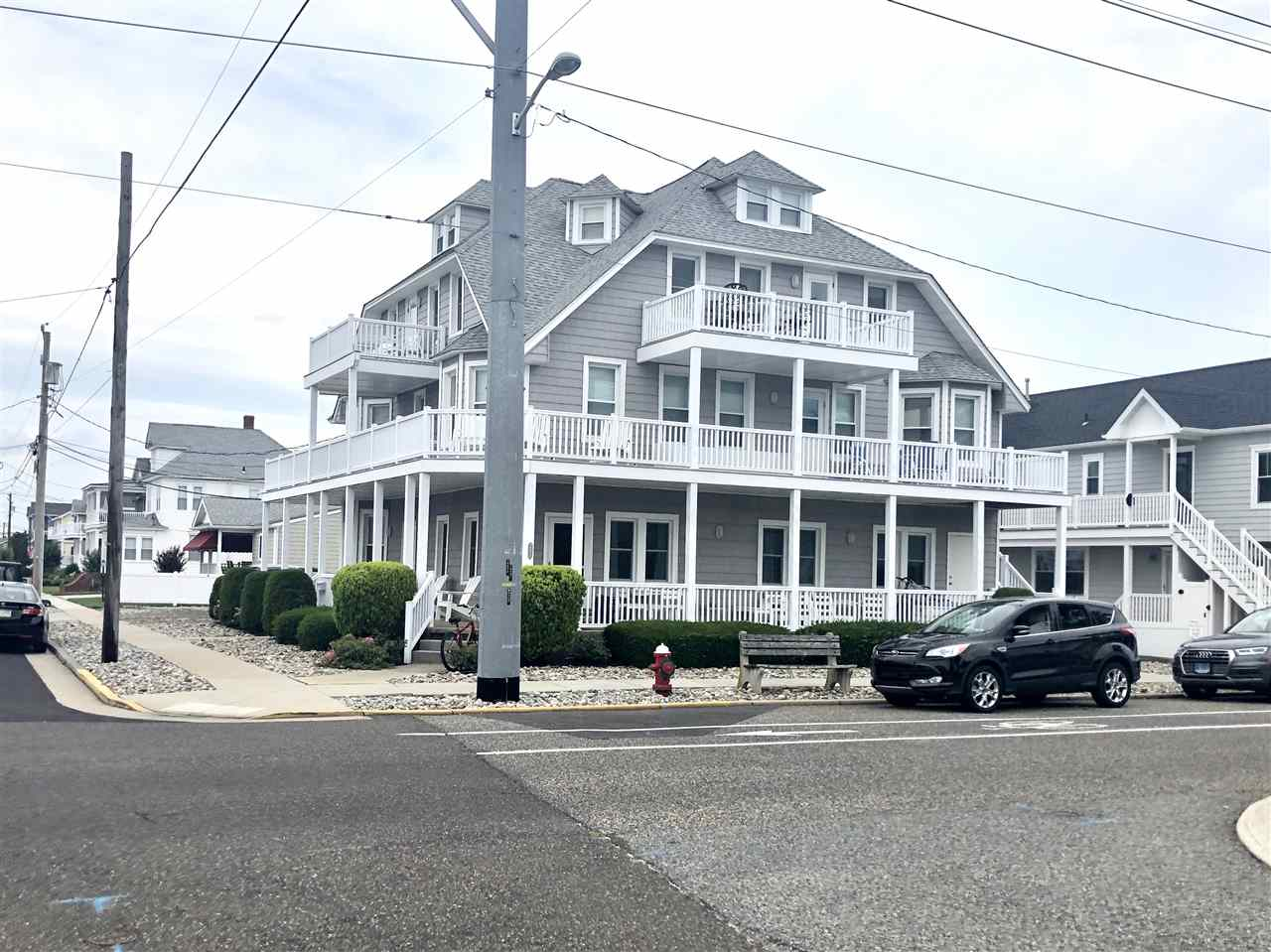 8931 Second Avenue - Stone Harbor