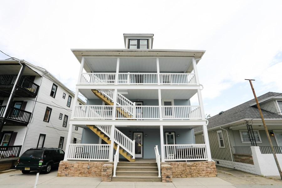 235 Garfiled, Wildwood