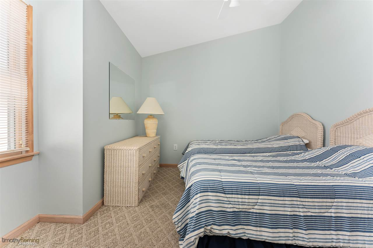 365 44th Street - Picture 17