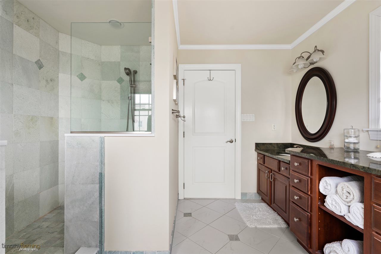 233 86th Street - Picture 16