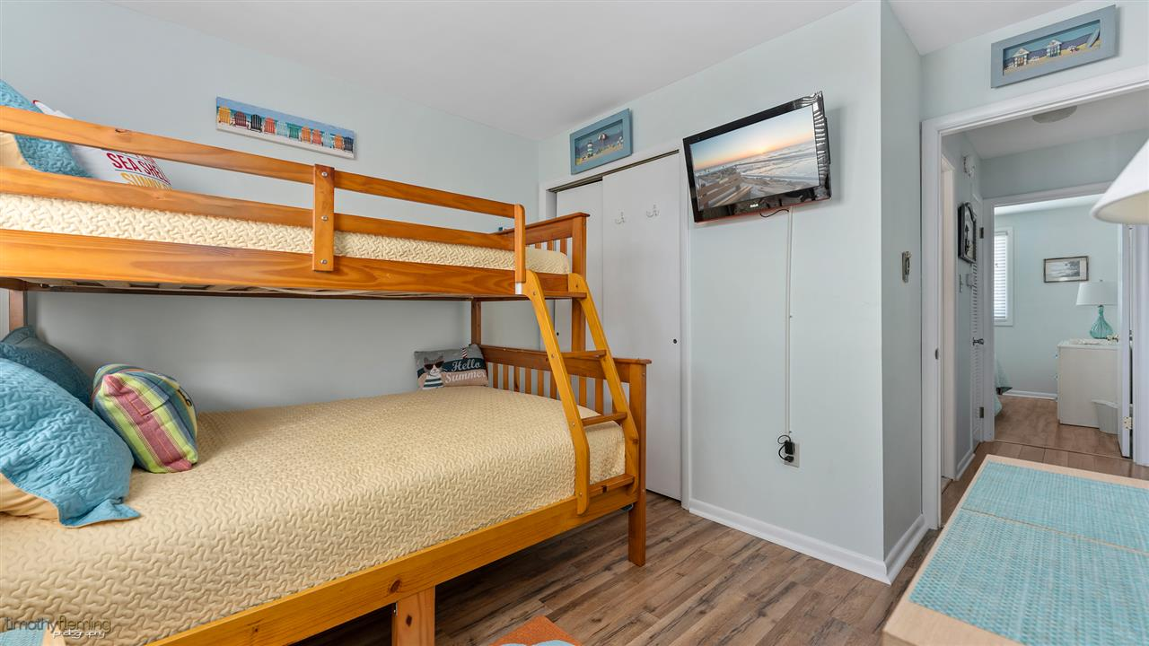 26 42nd Street - Picture 19