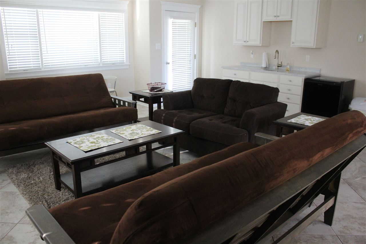 211 S 67th Street - Picture 6