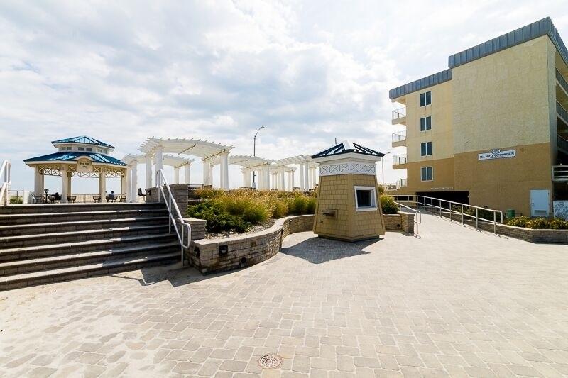 4100 Boardwalk - Picture 19