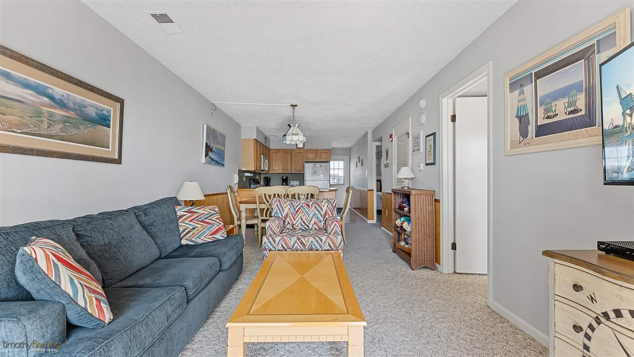 9 44th Street - Picture 19