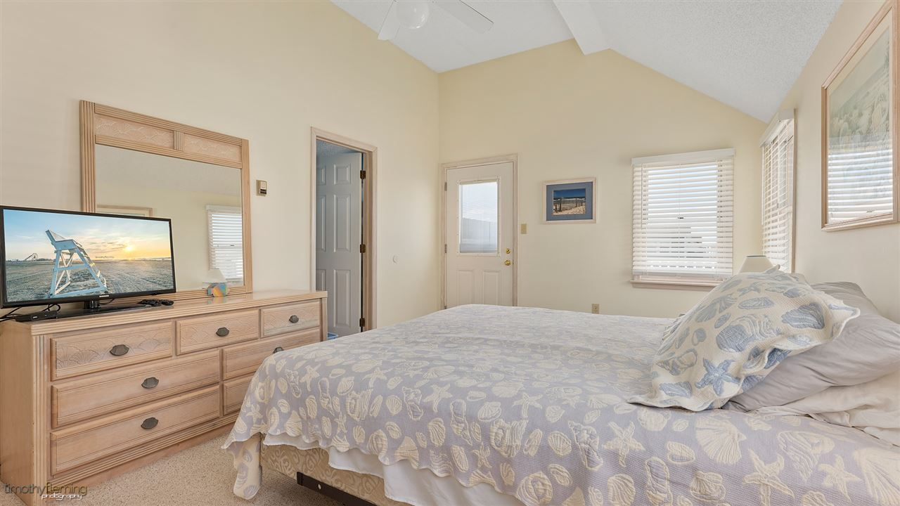 234 77th Street - Picture 17