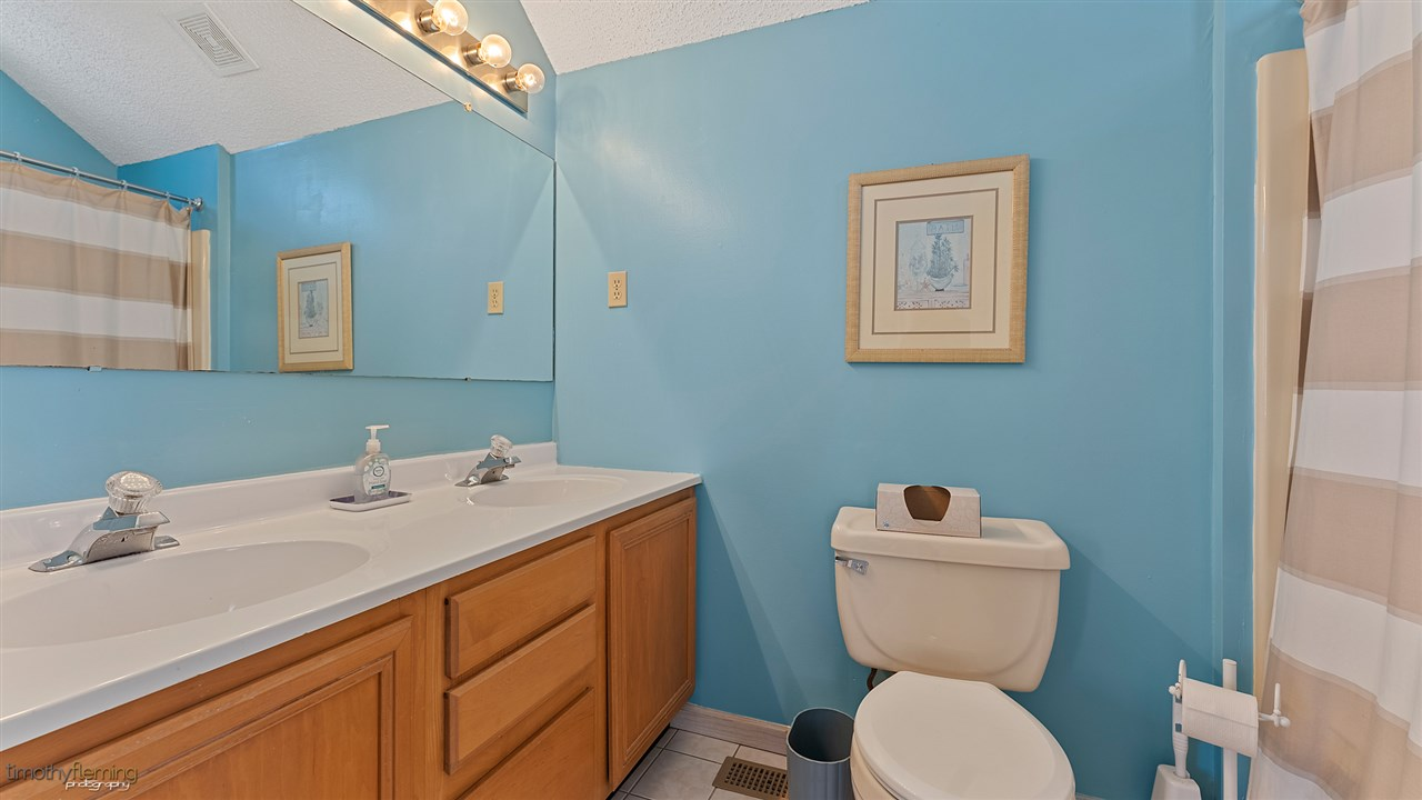 234 77th Street - Picture 19