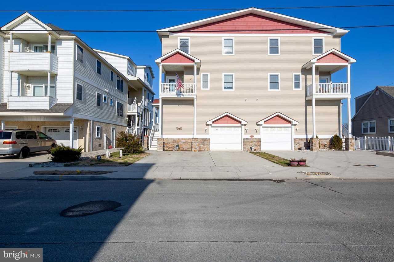 645 W Poplar Avenue
