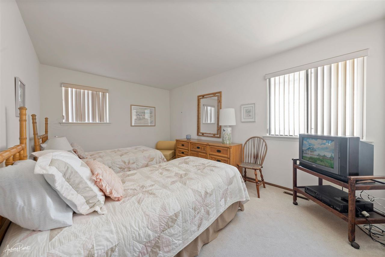 325 7th Street - Picture 14
