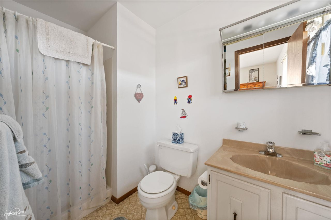 325 7th Street - Picture 17