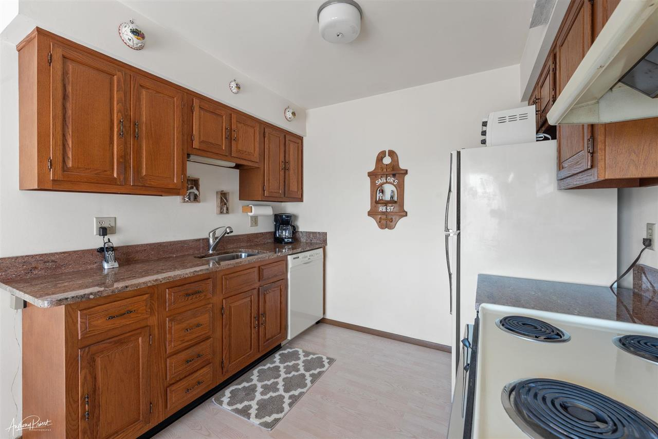325 7th Street - Picture 8