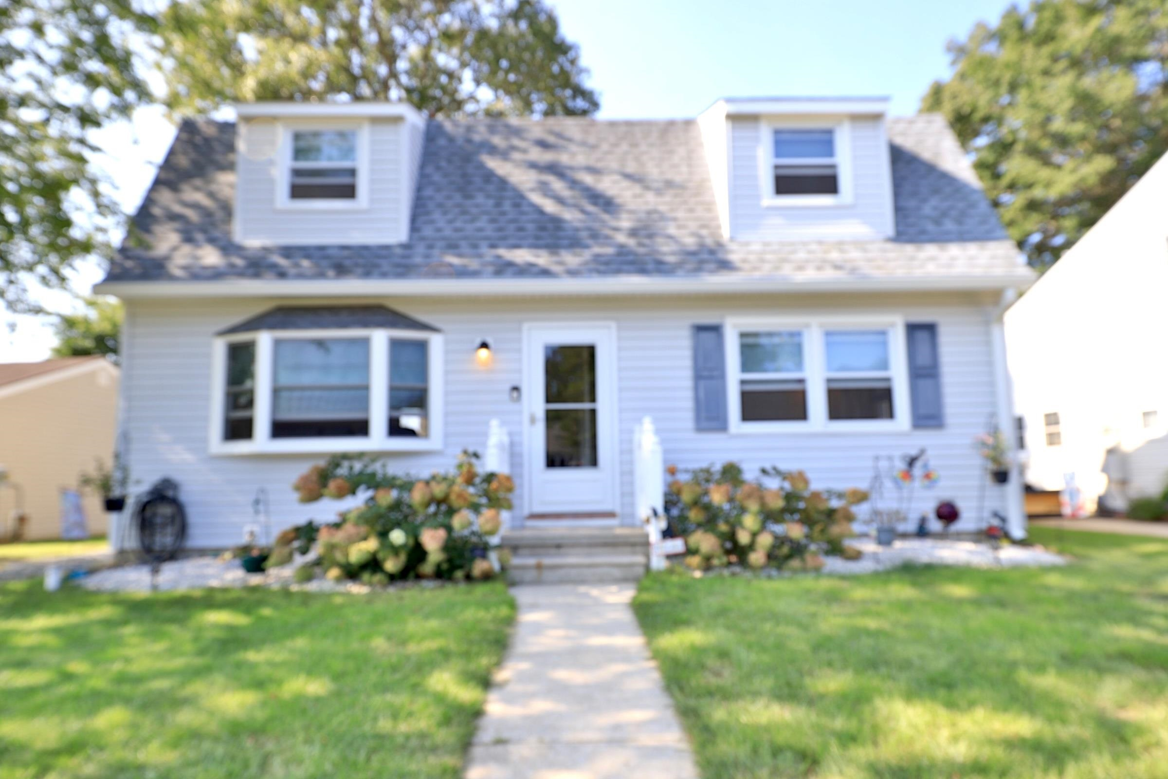 210 Beechwood Avenue - Villas