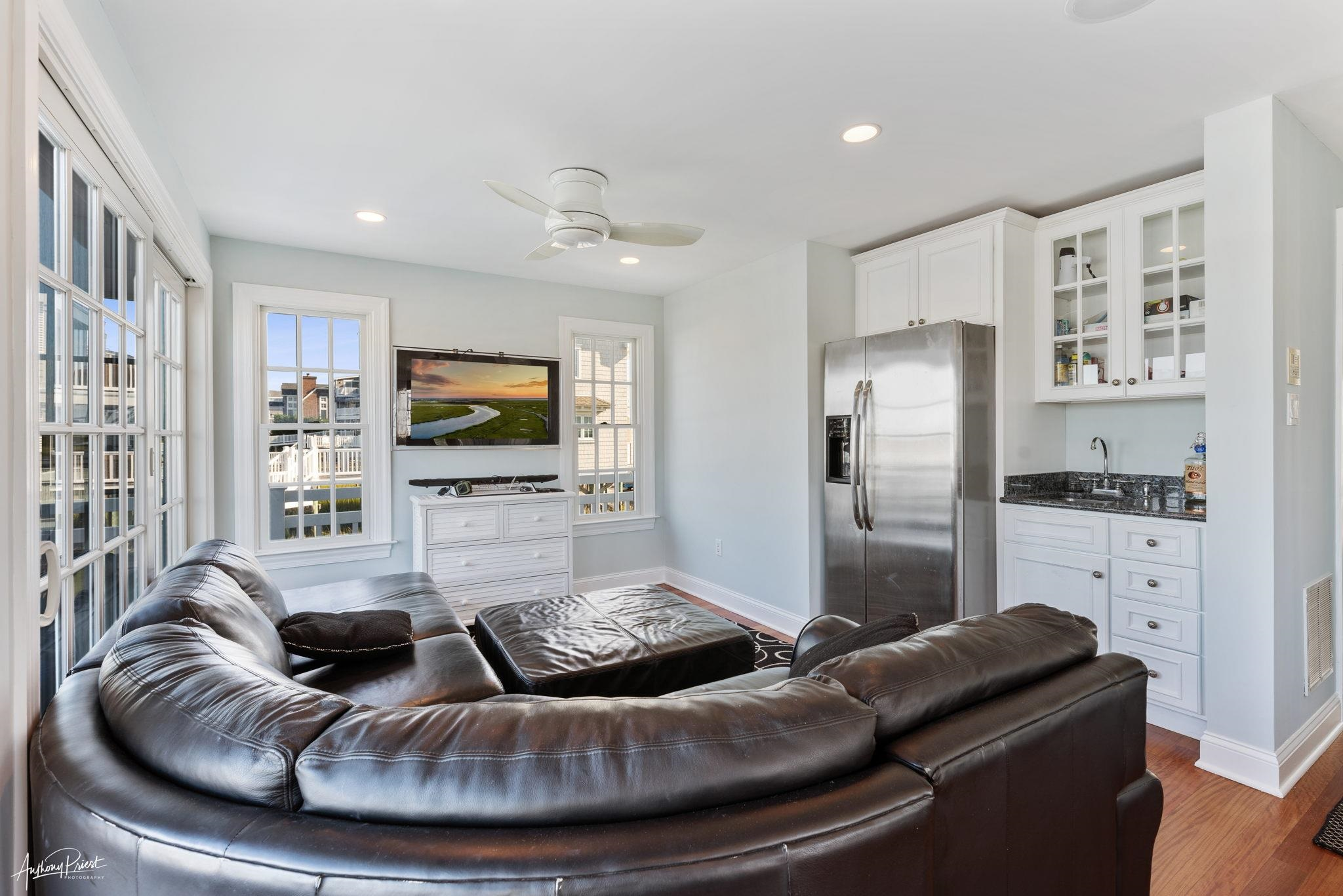 3788 Ocean Drive - Picture 10