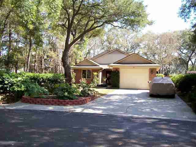 718 Mount Gilead Place Dr. Murrells Inlet, SC 29576